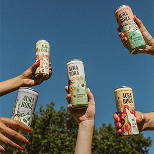 People holding the Aura Bora Drinks
