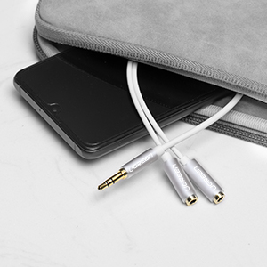 UGREEN 3.5Mm Audio Stereo Y Splitter Cable 3.5Mm Male To 2 Port 3.5Mm Female