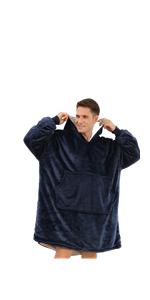 buzio hoodie blanket