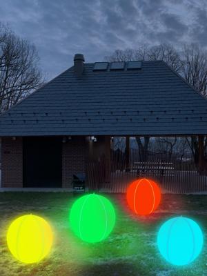 Dekorieren Sie Ihren Garten mit diesem LED-Balllicht