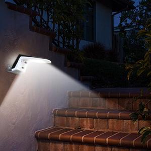 Luz Solar Exterior,Romwish 36 LED Foco Solar Potente con Sensor de Movimiento,Impermeable con 2 Modos Inteligentes para Jardín, Patio, Camino, Escalera- 2 Paquete: Amazon.es: Iluminación