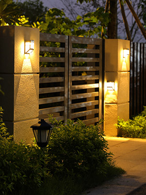 solar powered fence light waterproof outdoor wall light battery operated