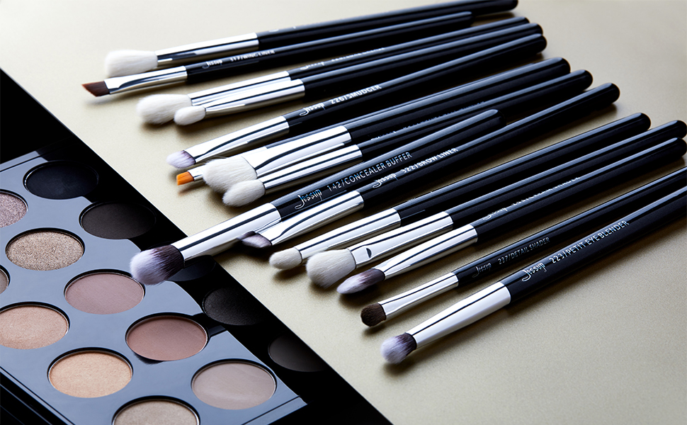 eyeshadow brushes