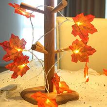 christmas maple leaf light