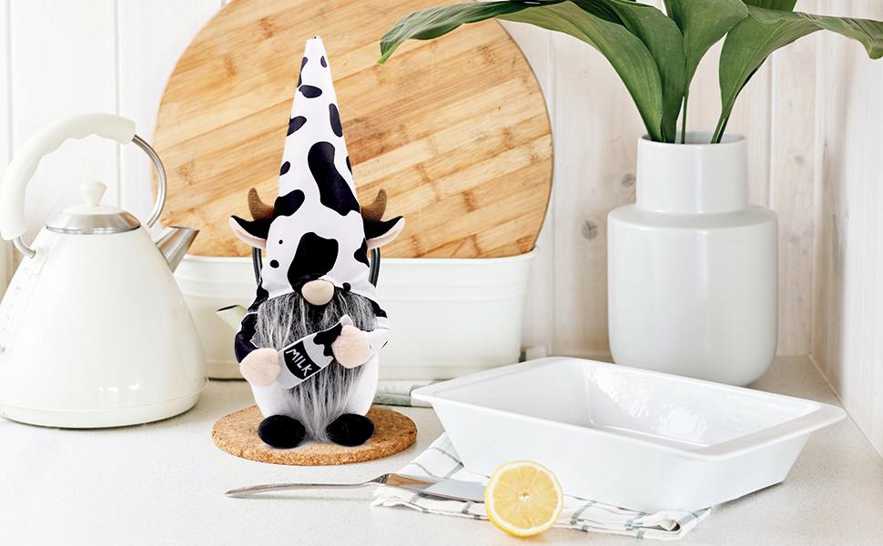 Farmhouse Cow Swedish Gnomes