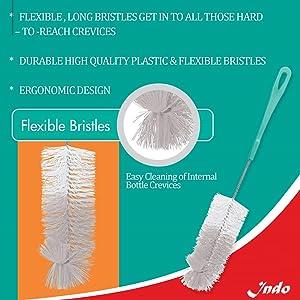 Flexible bottle cleaner brush