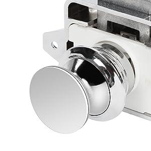 Robuuste veerset binnen kniehendelsluiting comfortabel sluiten en openen.