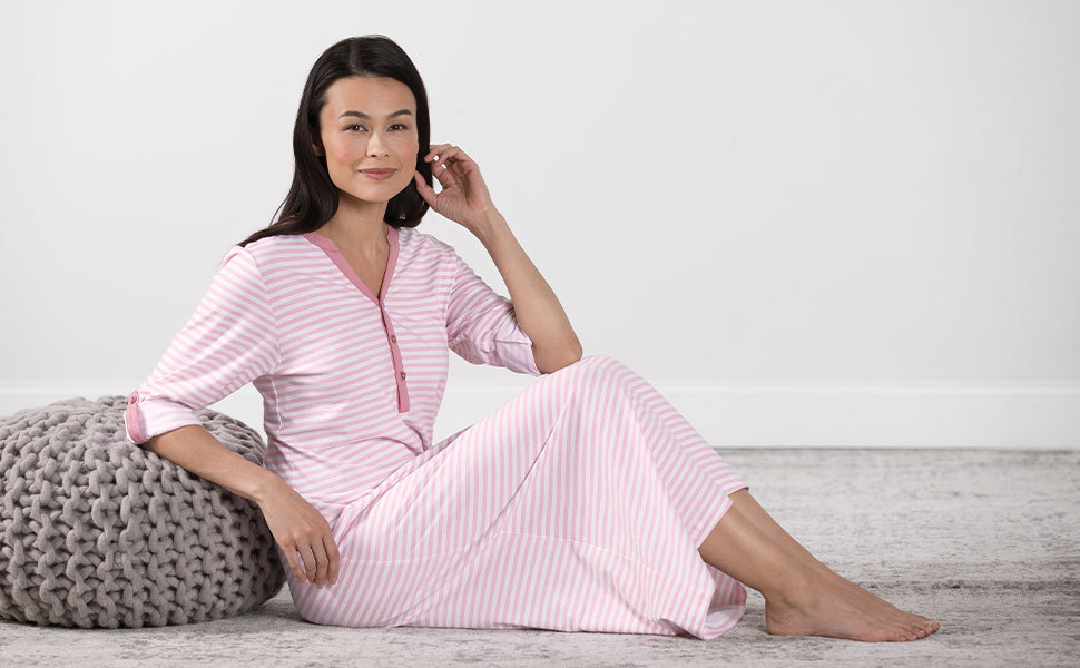 woman in pink nightgown