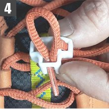 How to connect the shoelaces