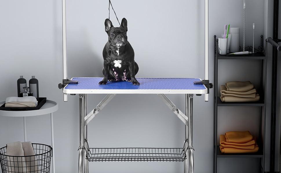 Dog grooming table
