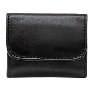 Entirely handmade in Italy by passionate leather artisans,