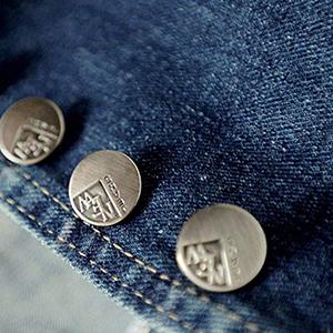 button closure