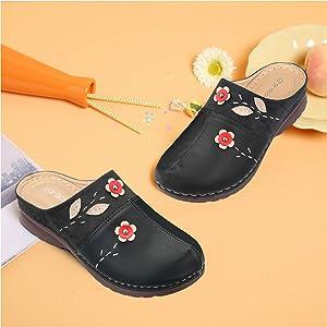 gracosy Sandales Femme Sabots en Cuir PU Brod/és Clogs avec Fleurs /à Enfiler Mules Plates Chaussures /Ét/é Confortables Chaussons d/'Ext/érieur Printemps Semelle Super Confort Noir Marron