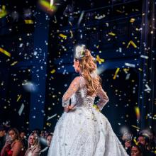 bride celebration confetti