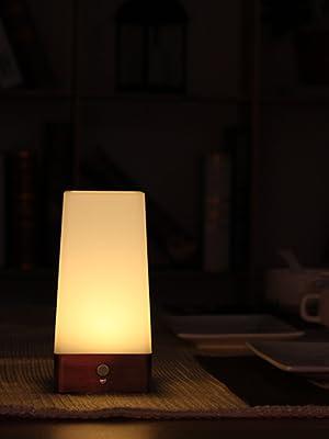 Automatique sans fil PIR Motion Sensor LED Night Light Table Lamp Decor