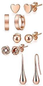 5 paia di orecchini in oro rosa
