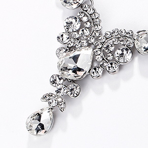 White rhinestone crystal set for women