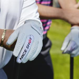 Hand relaxed on golf club