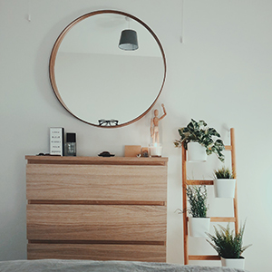 magnifying mirror with lights