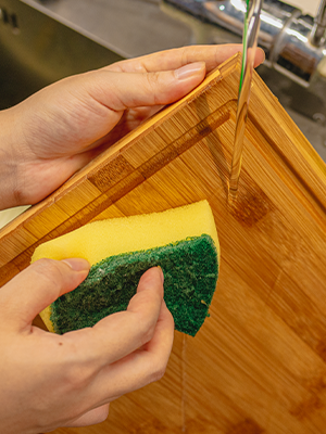 easy cleaning cutting board