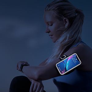 夜間反射素材を採用され、暗い環境でも安全を確保させます