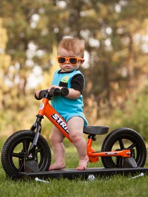 Strider 12 Sport Baby Bundle - Bicicleta de Equilibrio 2 en 1 ...