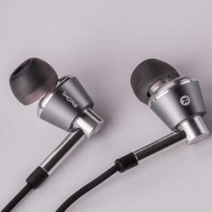 1MORE TRIPLE DRIVER IN EAR HEADPHONES WIRED 3.5MM EARPHONES WITH MICROPHONE
