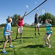 Play volleyball with family