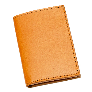Entirely handmade in Italy by passionate leather artisans