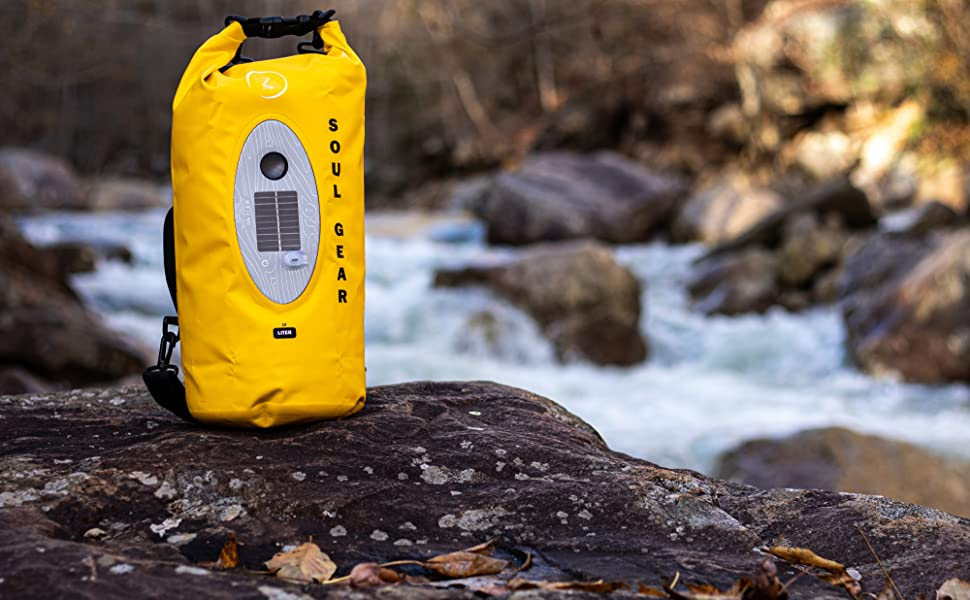 Floating dry bag kayaking listen to music out on the water wireless waterproof Bluetooth speaker