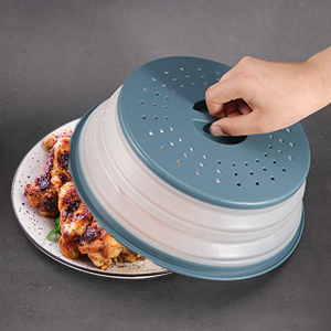 Handle on pop-up lid makes it easy to grab while in the microwave or put on top of dishes.