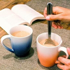 Big coffee mugs