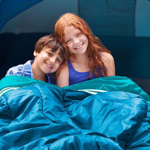 Open the sleeping bag, it can be used by two people
