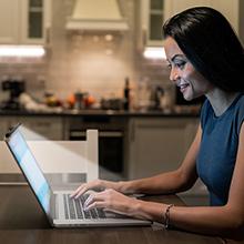 laptop monitor light