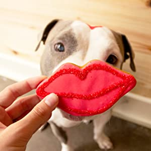 dog with lips cookies