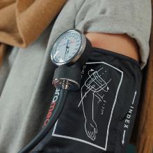 blood pressure cuff paramed