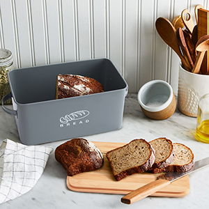 bread box with lid
