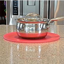 Safe Grabs: Multi-Purpose Silicone Original Microwave Mat