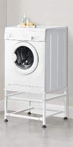 Support de machine à laver avec plateau amovible.