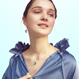 Dazzle colour necklace