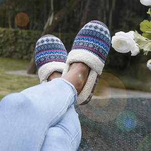 slippers outdoor outside stylish fashion cushioned supportive red orange white gray grey fabric