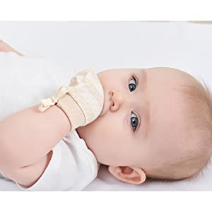 organic gloves prevent babies from chewing on their fingers