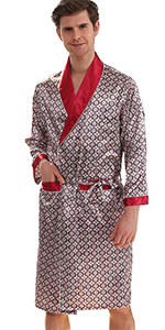 stain robe with shorts