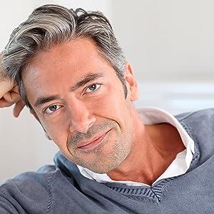 Uomo con integratore Super Hair