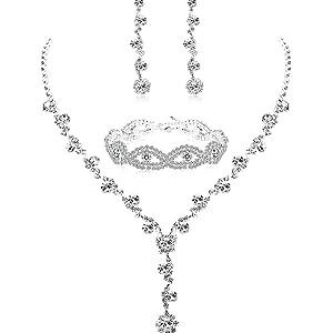Necklace+Bracelet+Earrings