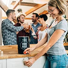 Barril de cerveza con forma de piñas