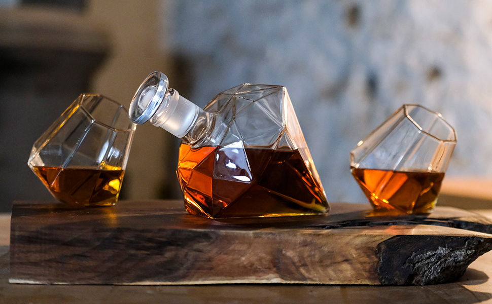 dragon glassware diamond decanter set