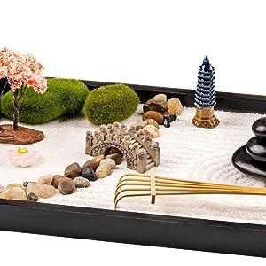 Traditional Zen Garden Features