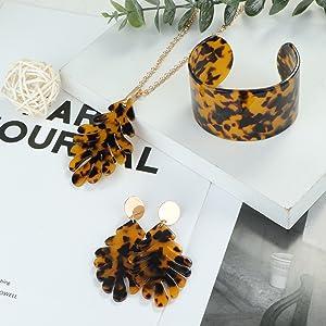 resin jewelry set