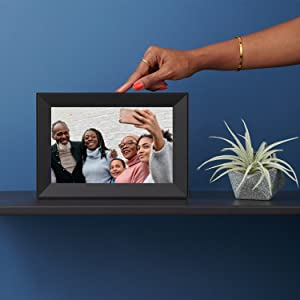 aura digital frame digital picture photo image tablet elegant decor family home true color quality